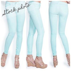 Guess Brittney Ankle Skinny Washed Colored Jeans